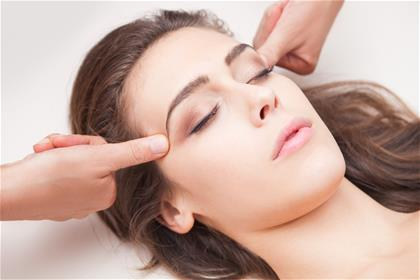 How to Treat Allergies with Acupressure